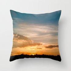 Where the sun rises Throw Pillow