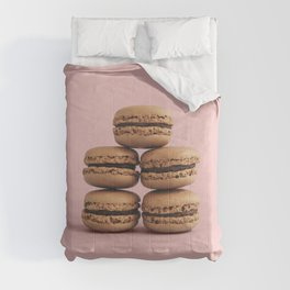Macaroons on pink background Comforters