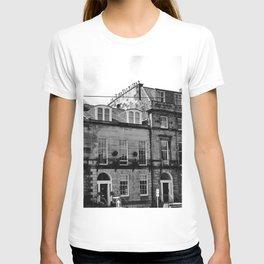 Edinburgh, Scotland Quaint City Homes T-shirt