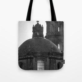 Dome black & white Tote Bag