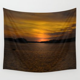 The sun goes down and night falls Wall Tapestry