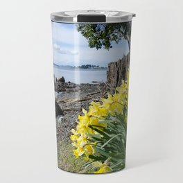 DAFFODILS OF SPRING IN THE SAN JUAN ISLANDS Travel Mug