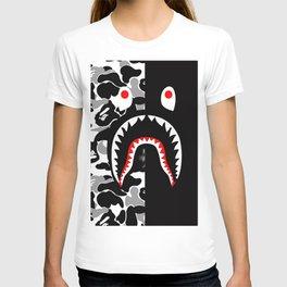 shark bapa T-shirt