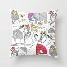 Animales Luchadores Throw Pillow