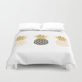 fun pineapple design gold Duvet Cover