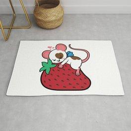 Little Mouse Meets Big Sweet Rug