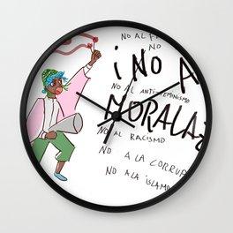 No al Moralazo Wall Clock