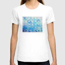 Elegant Islamic Geometric Blue Pattern T-shirt