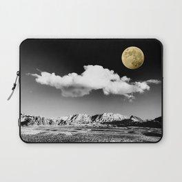 Black Desert Sky & Golden Moon // Red Rock Canyon Las Vegas Mojave Lune Celestial Mountain Range Laptop Sleeve