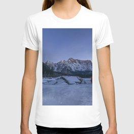People in Landacape 02 T-shirt
