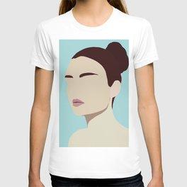 Amelia - modern minimal portrait T-shirt