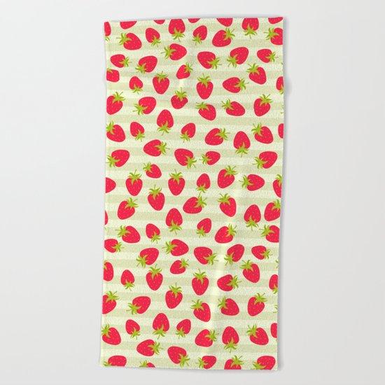 STRAWBERRY PATTERN Beach Towel