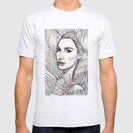 Stunning Gal Gadot T-shirt
