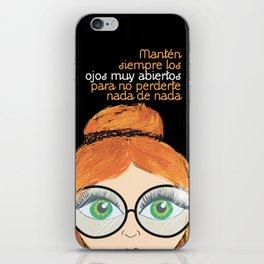 Con los ojos muy abiertos! iPhone Skin