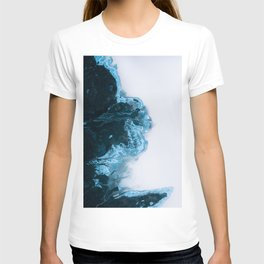 Abstract Aerial Lake in Iceland – Minimalist Landscape Photography T-shirt