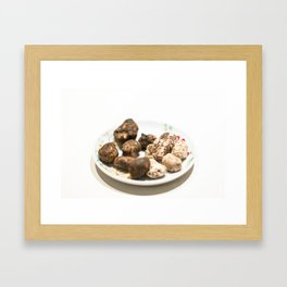 Tartufo bianco e nero | White and black mushrooms truffle. Framed Art Print
