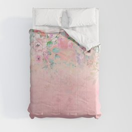 Botanical Fragrances in Blush Cloud-Immersed Comforters