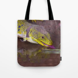 The ocellated lizard Tote Bag