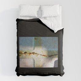 Cracks Comforters
