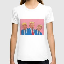 Donald 'Trump' Drumpf:  Con Man, Liar & Crook, & those are his best qualities. T-shirt