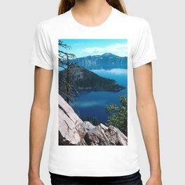 Volcano Deep Blue Crater Lake Oregon USA T-shirt