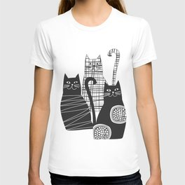 Black and white cats T-shirt