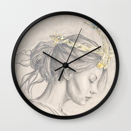 Glimmering gold crown Wall Clock