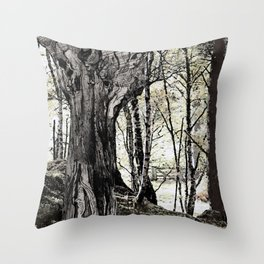 Trees have long thoughts, Throw Pillow