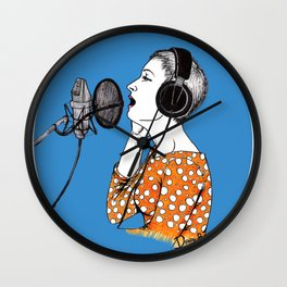 SINGING  Wall Clock