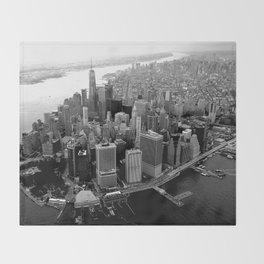 New York, NYC, Black & White (Manhattan, Brooklyn, Queens) Throw Blanket