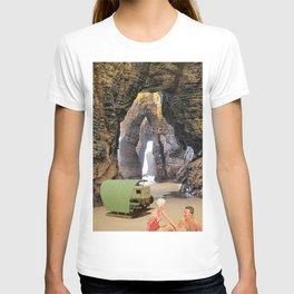 sous les rochers T-shirt