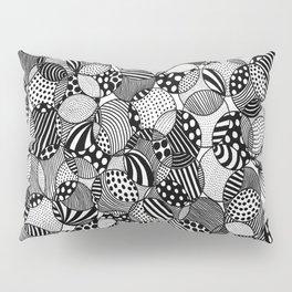 black and white circles I Pillow Sham