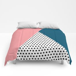 Dotted triangle Comforters