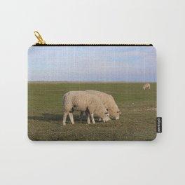 Grasende Schafe auf Nordseeinsel Pellworm / Grazing Sheep on green Field Carry-All Pouch