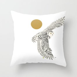 Art print: The snowy owl in flight Throw Pillow
