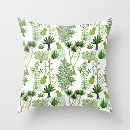 Green jungle pattern Throw Pillow
