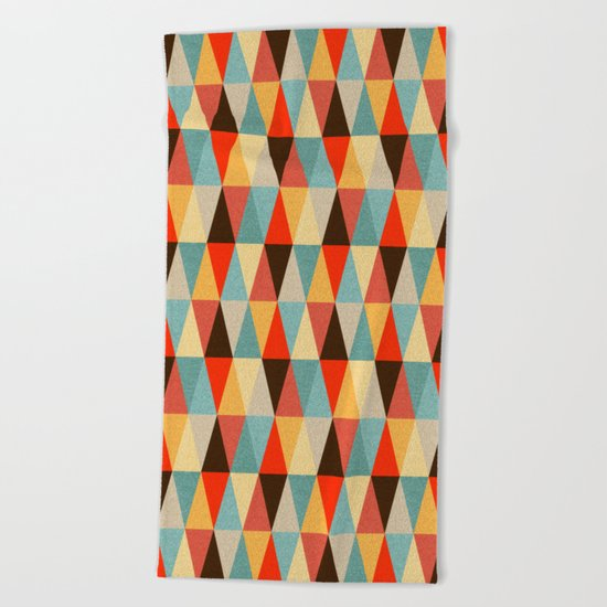 Red & Brown Geometric Triangle Pattern Beach Towel