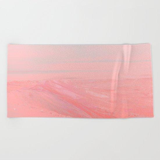 CHEMIN ROSE Beach Towel