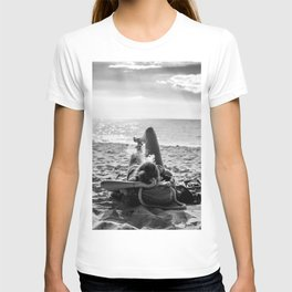 Smoking on the beach T-shirt