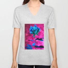 La rose evasive de bleu  - the elusive blue rose Unisex V-Neck