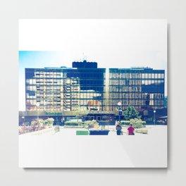 Reflejo en Edificio Bronce Metal Print