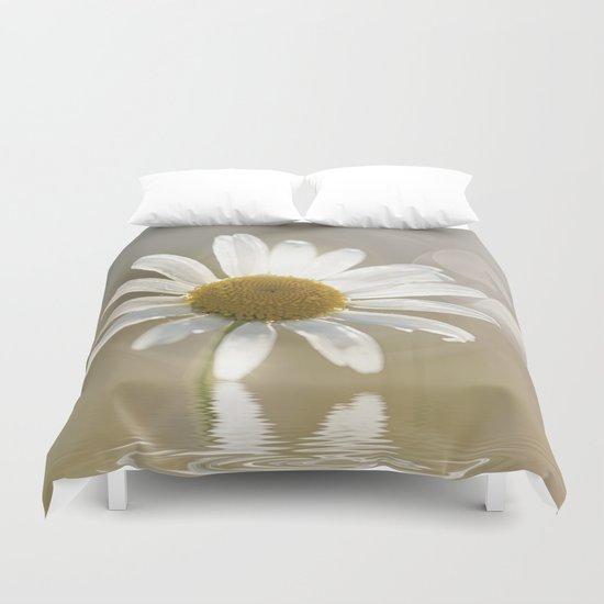 Daisy in dreams  Duvet Cover