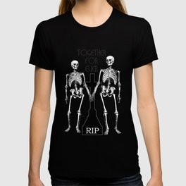 Two skeletons in love T-shirt