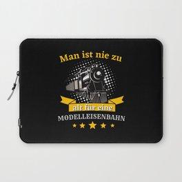 Man ist nie zu alt für eine Modelleisenbahn Bahn Laptop Sleeve