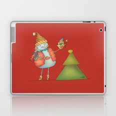 Friends keep warm - red Laptop & iPad Skin