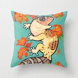 Fire lily gecko Throw Pillow