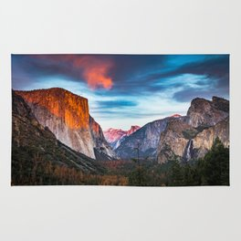 Yosemite tunnel view at sunset Rug