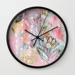 Mariposa Rosa Wall Clock