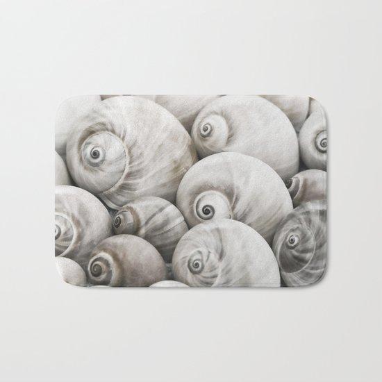Shark's eye shell collection Bath Mat