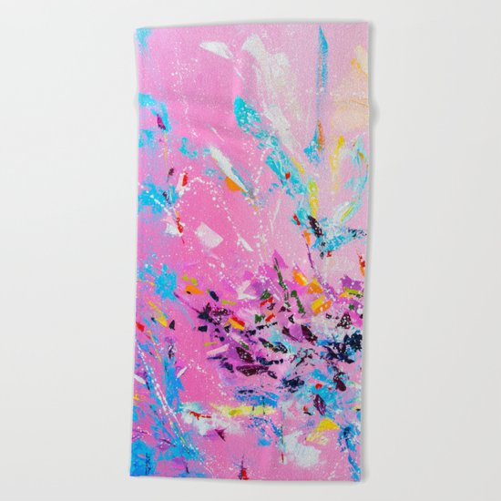 The flash of happiness Beach Towel